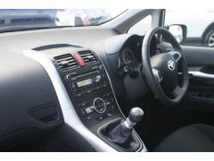 Cheap Toyota Auris 2011 Model Car for Sale in the UK