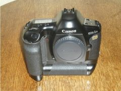 Canon EOS 1NR DSLR Camera for Sale in the UK