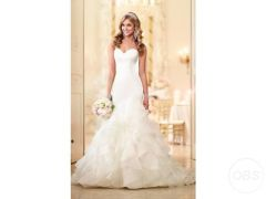 Beautiful Stella York Style 6086 Wedding Dress for Sale in the UK