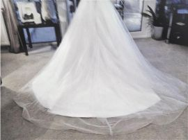 Beautiful White Wedding Dress for Sale in the UK