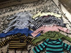 For Sale Baby gap long sleeved body suits 612months in UK