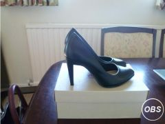Ladies black leather court shoes for Sale in the UK
