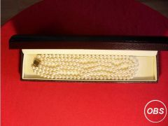Pearl necklace Triple strung with large solid gold for Sale in the UK