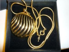 Trifari Necklace for Sale in the UK