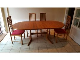 Cheapest Dining table with chairs for Sale good condition UK