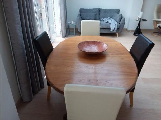 Dinning Table and 4 chairs for Sale in the UK