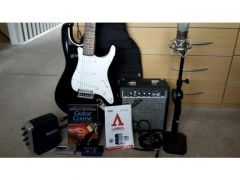 Cheap Electric guitar bundle for Sale in the UK