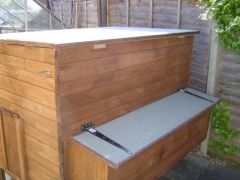 EXTRA LARGE CHICKEN COOP AVAILABLE AT UK FREE CLASSIFIED ADS