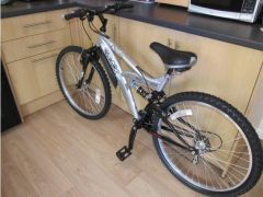 UNISEX ADULTTEENAGERS MOUNTAIN BIKE for Sale in the UK
